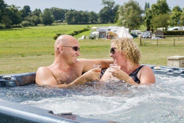 Uw romantische verblijf op de 5-sterren camping in Normandië