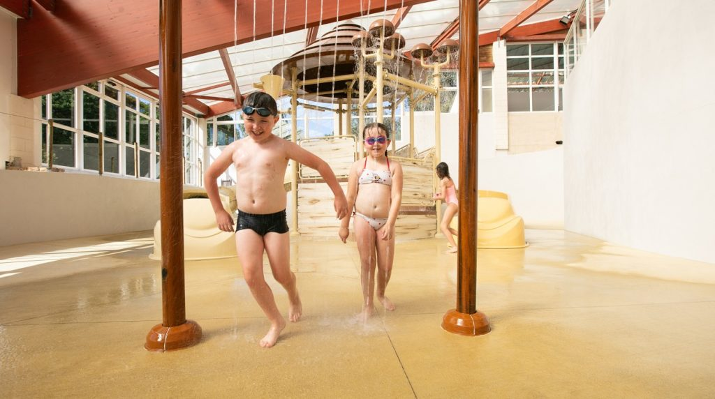 enfants jeux piscine