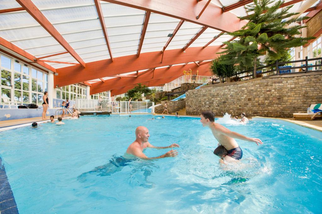 piscine, toboggan, pataugeoire