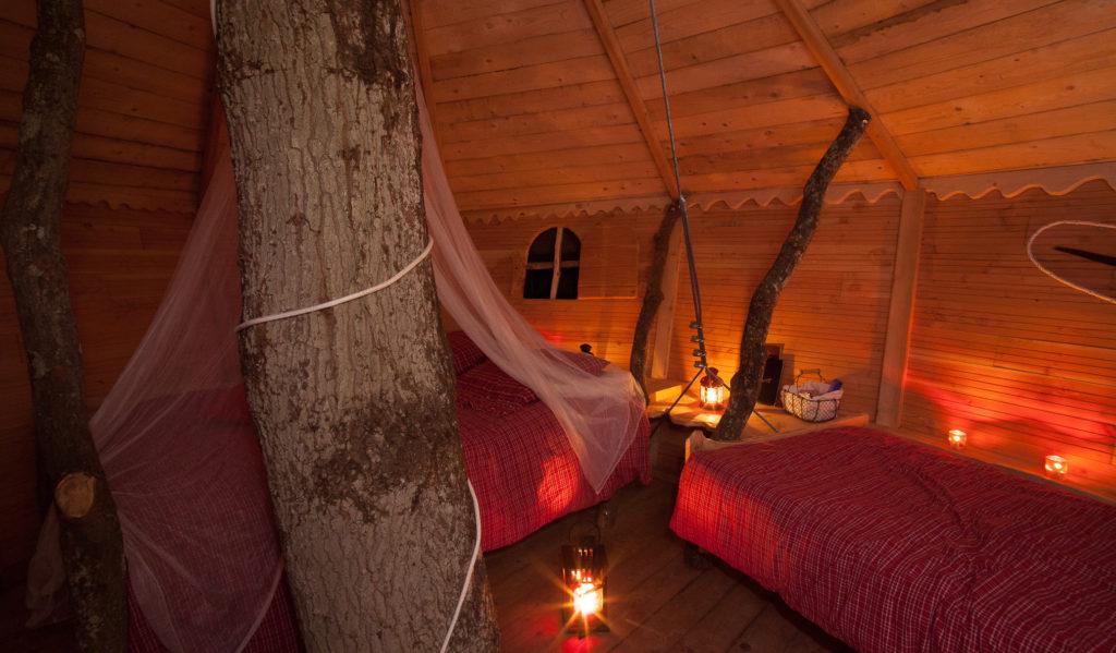 cabane dans les arbres nuit romantique