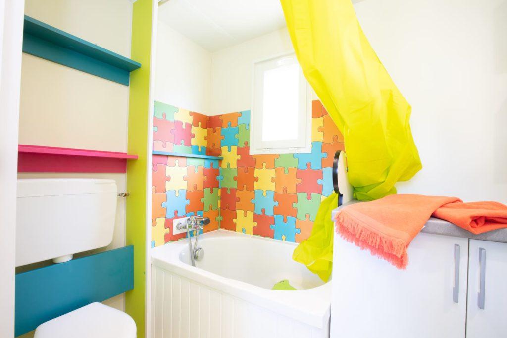 cottage famili salle de bain baignoire bébé