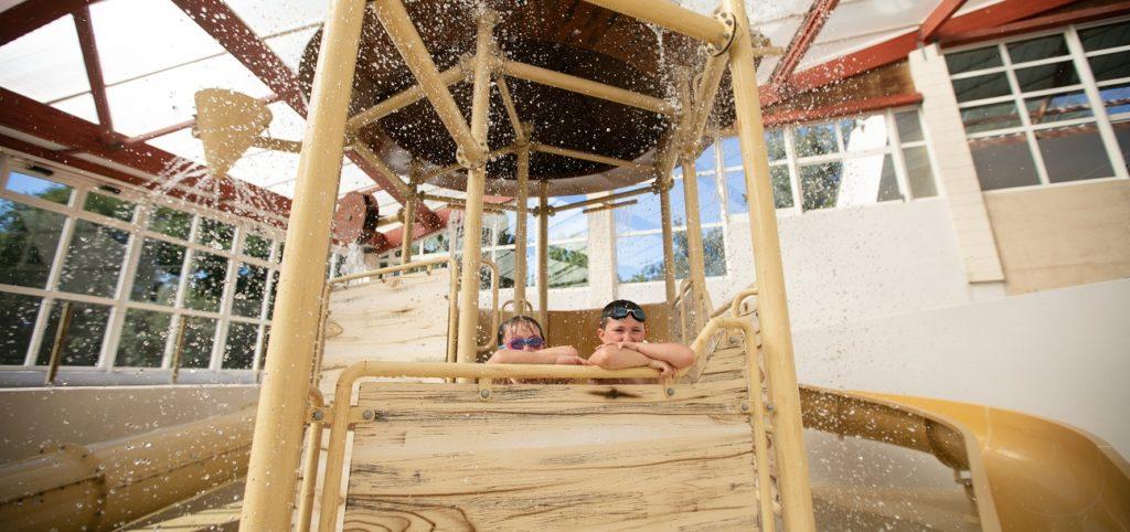 parc jeux d'eau enfants