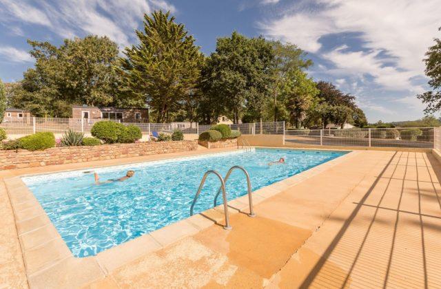 piscine extérieure chauffée manche