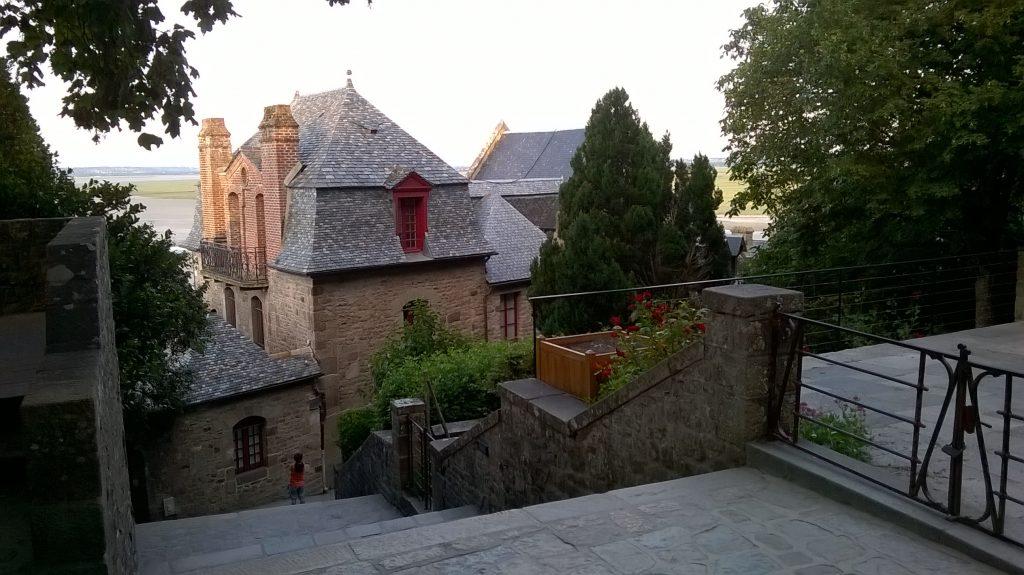 intérieur ville mont saint michel