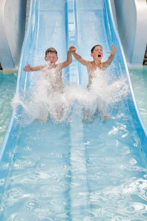 piscine intérieure camping enfants