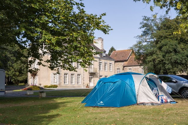emplacement tente camping au chateau