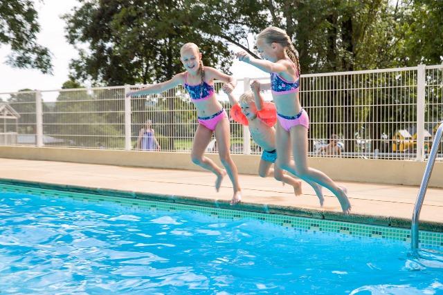 piscine camping jeux enfants