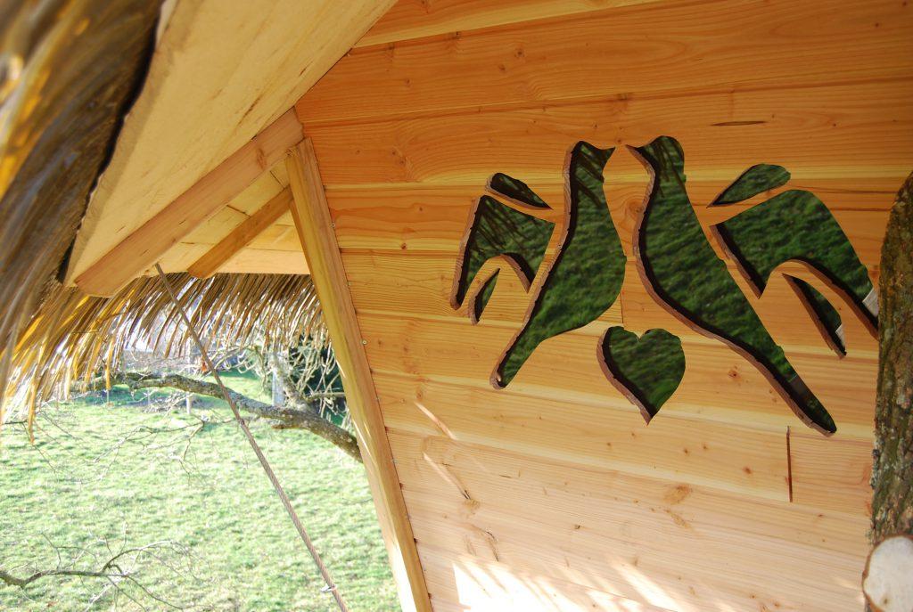 cabane dans les arbres oiseaux
