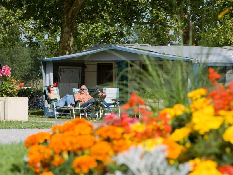 Emplacement stabilisé pour grand camping-car ou caravane, près Jullouville