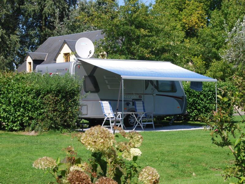 Komfort campingplaats met gestabiliseerd deel