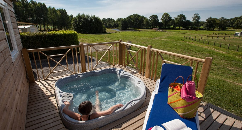 Spa-stacaravan met 3 slaapkamers: rust/ontspanning in de baai van de Mt. St. Michel - Location hebergement Normandie spa privé