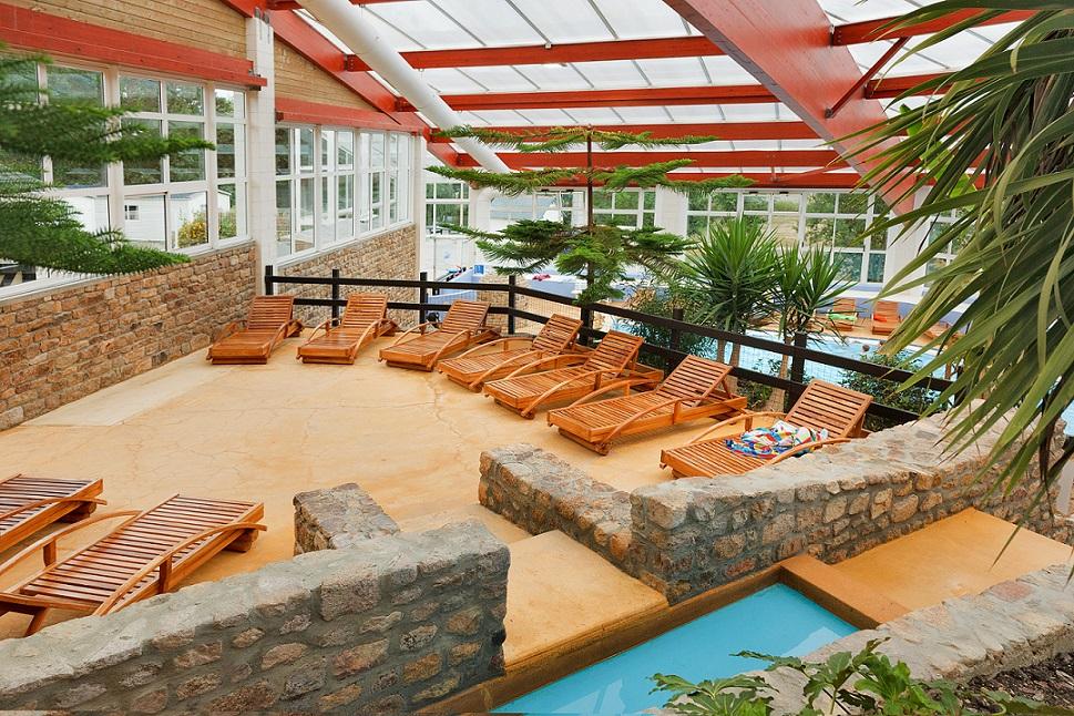Castels camping 5 étoiles Manche avec piscine couverte et chauffée