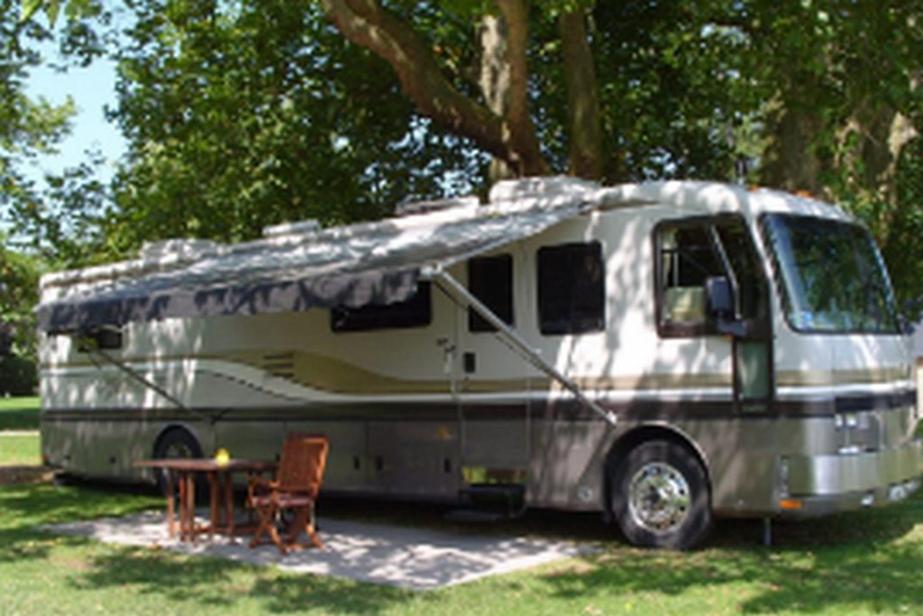 emplacement grand confort camping car