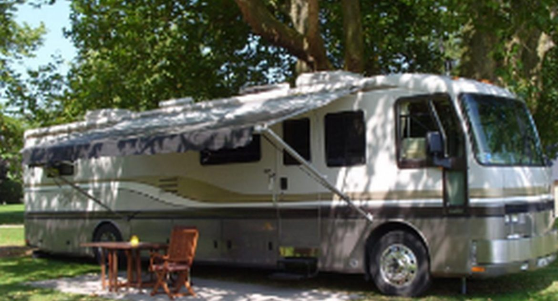 Emplacement Confort Stabilisé - caravans-and-mobilhome