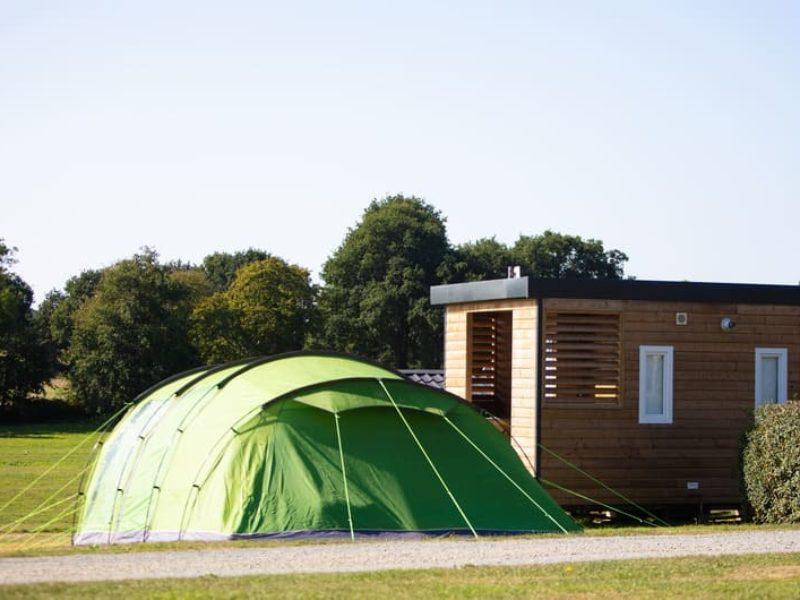 Emplacement avec sanitaires privés au Camping Castel Lez Eaux*****