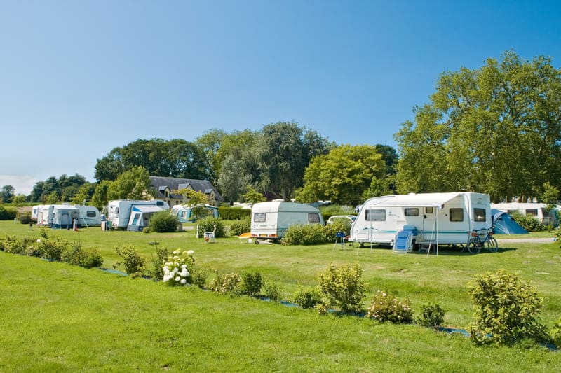Emplacement-confort-familial-camping-manche