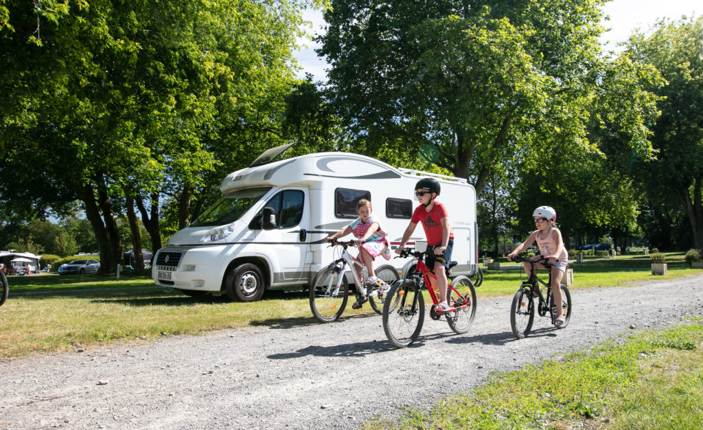 emplacement camping car famille vélo