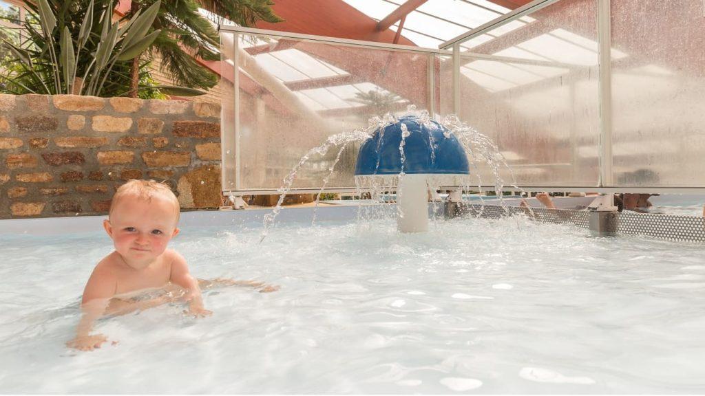 bébé pataugeoire piscine