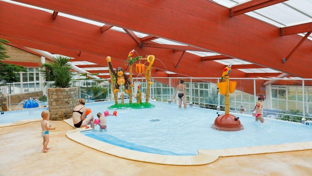 pataugeoire piscine couverte