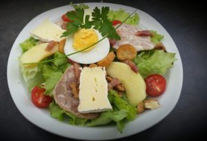 salade oeuf camembert andouille
